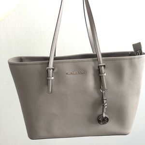 Michael Kors Jet Set Leather Top-Zip Tote